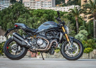 ducati-monster-1200-2017-39