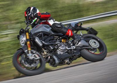 ducati-monster-1200-2017-46