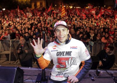 marc-marquez-celebracion-titulo-motogp-2016-en-cervera-4