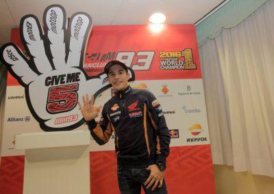 marc-marquez-celebracion-titulo-motogp-2016-en-cervera-6