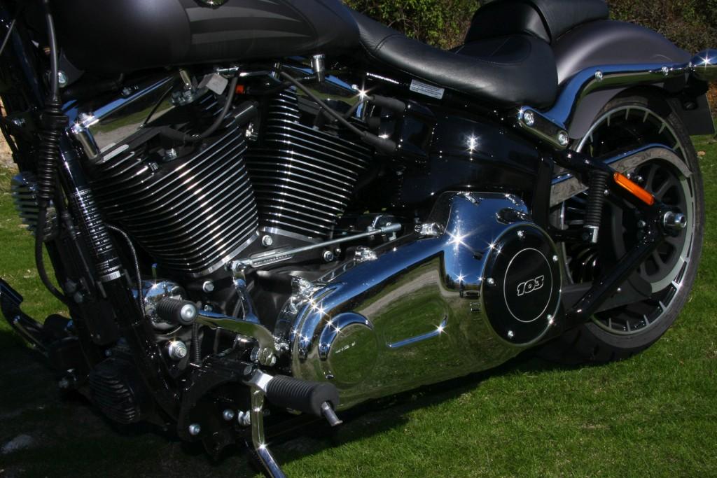 harley-davidson-breakout-motoradn-11