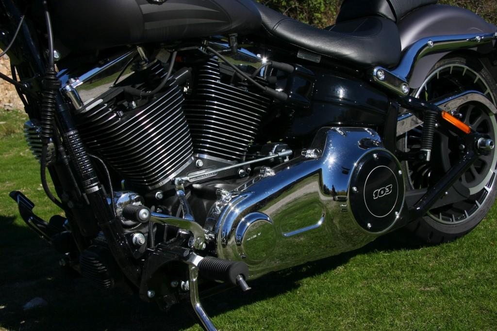 harley-davidson-breakout-motoradn-13