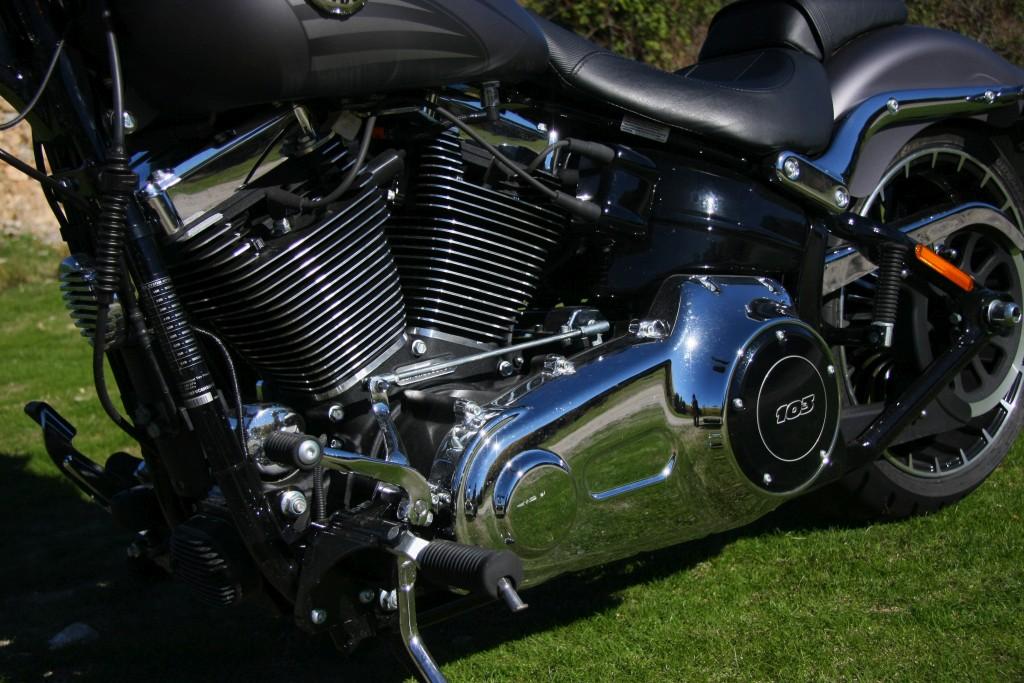 harley-davidson-breakout-motoradn-14