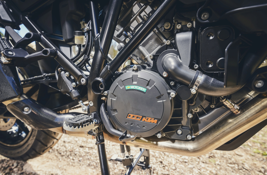KTM 1290 SuperAdventure-1090 Adventure. Perfiels y Detalles (20)