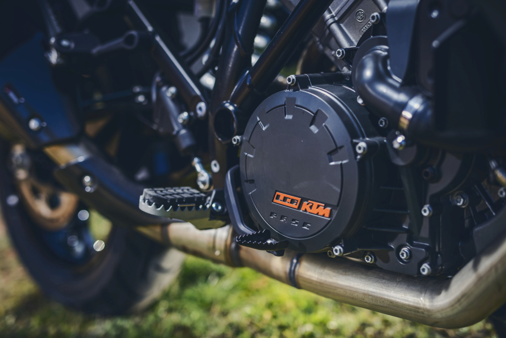 KTM 1290 SuperAdventure-1090 Adventure. Perfiels y Detalles (22)