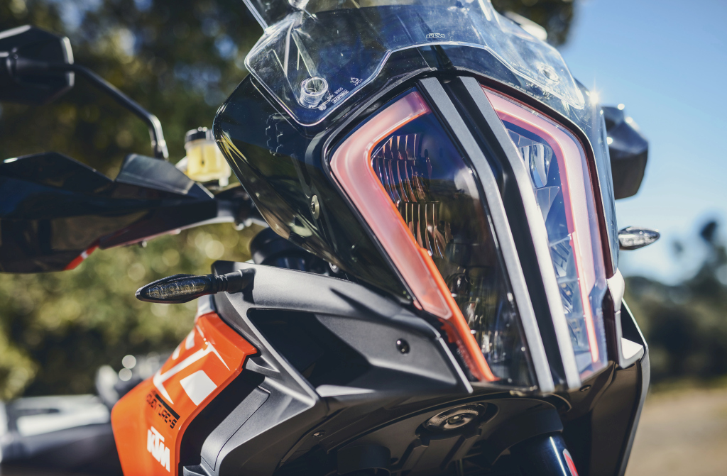 KTM 1290 SuperAdventure-1090 Adventure. Perfiels y Detalles (8)