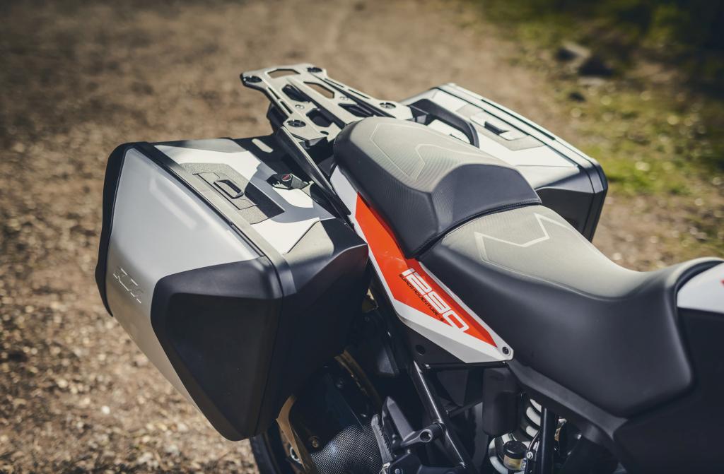 KTM 1290 SuperAdventure-1090 Adventure. Perfiels y Detalles (9)
