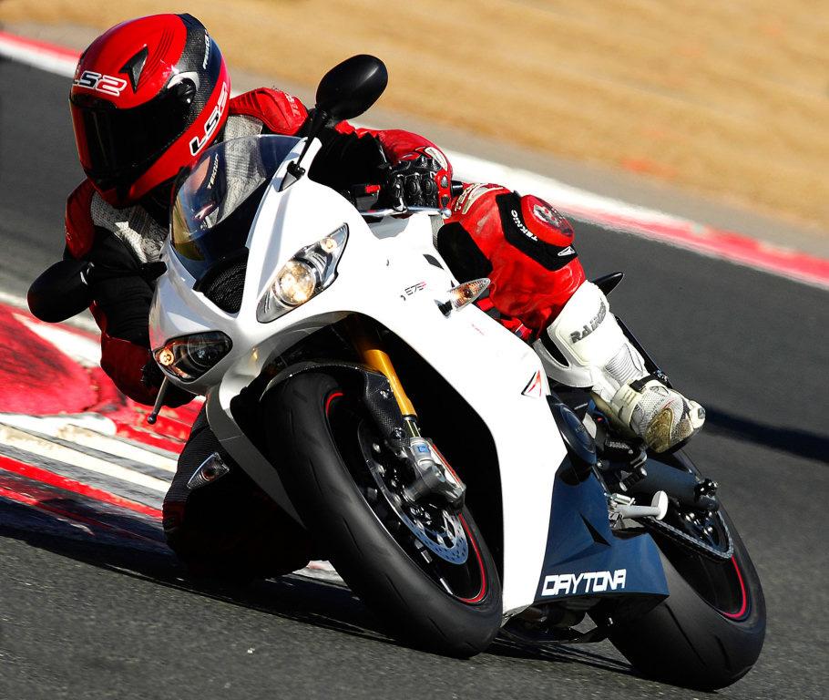 triumph-en-moto2-3