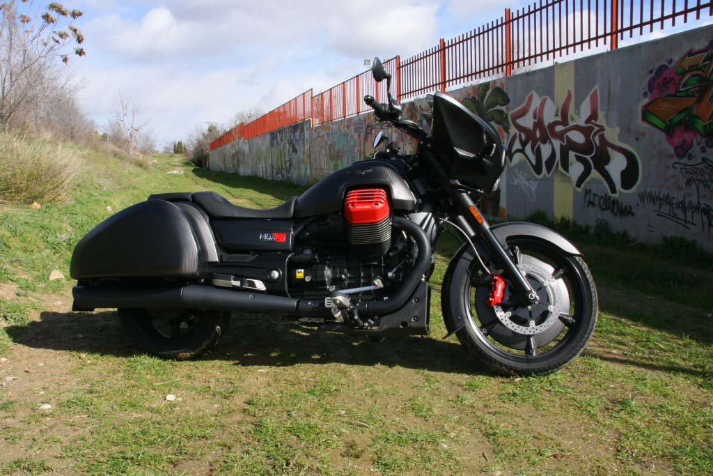 Moto Guzzi MGX21 (1)
