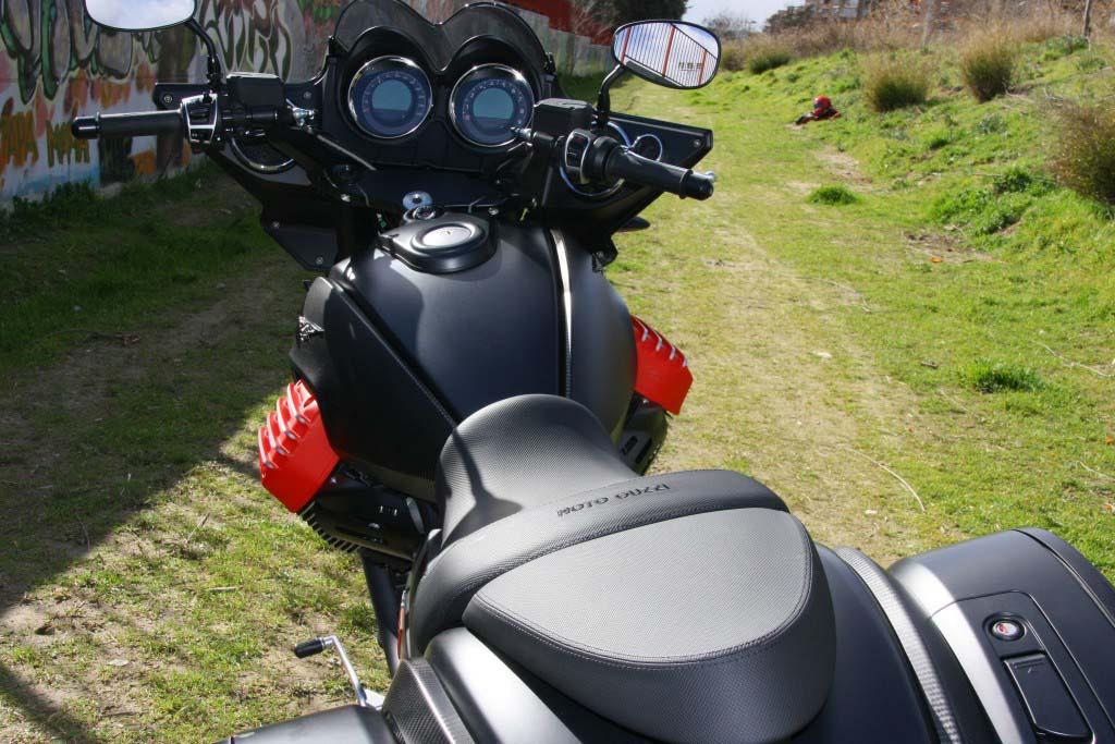 Moto Guzzi MGX21 (64)