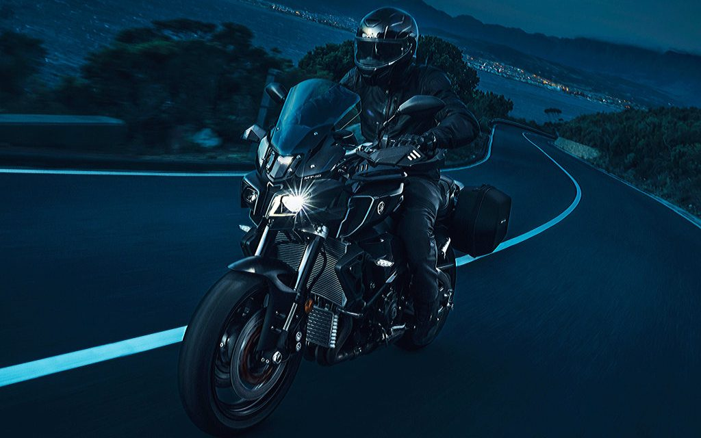 Yamaha MT10 Tourer Edition: Street Fighter rutera