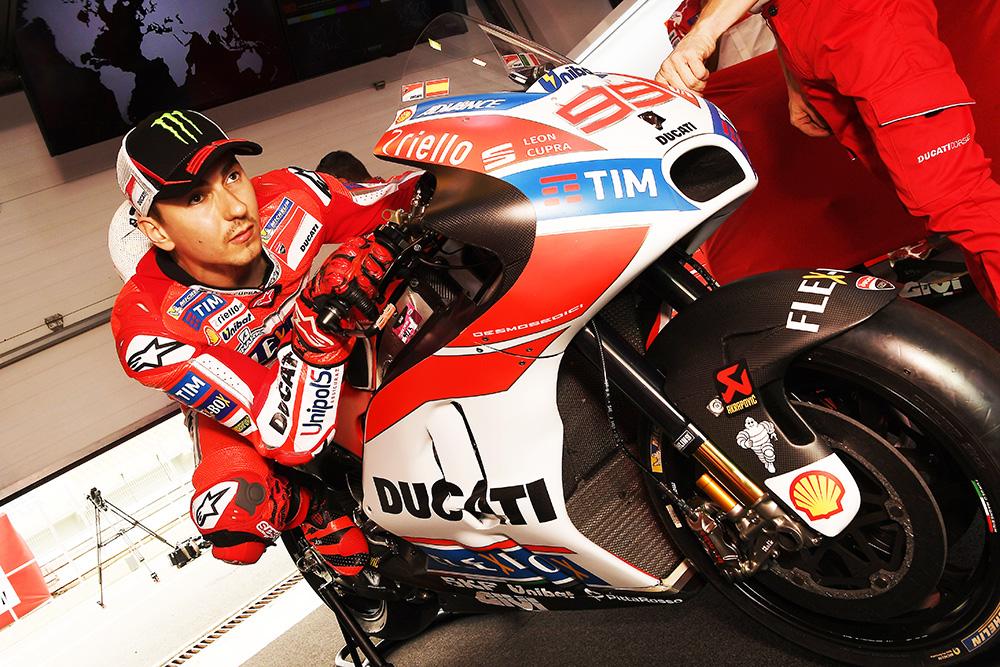 Lorenzo ergonomia Ducati