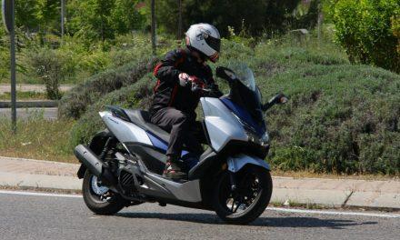 Fotos Honda Forza 125 2017 (50 imágenes)