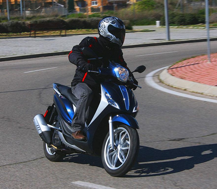 Piaggio Medley 125 prueba MotorADN (12)