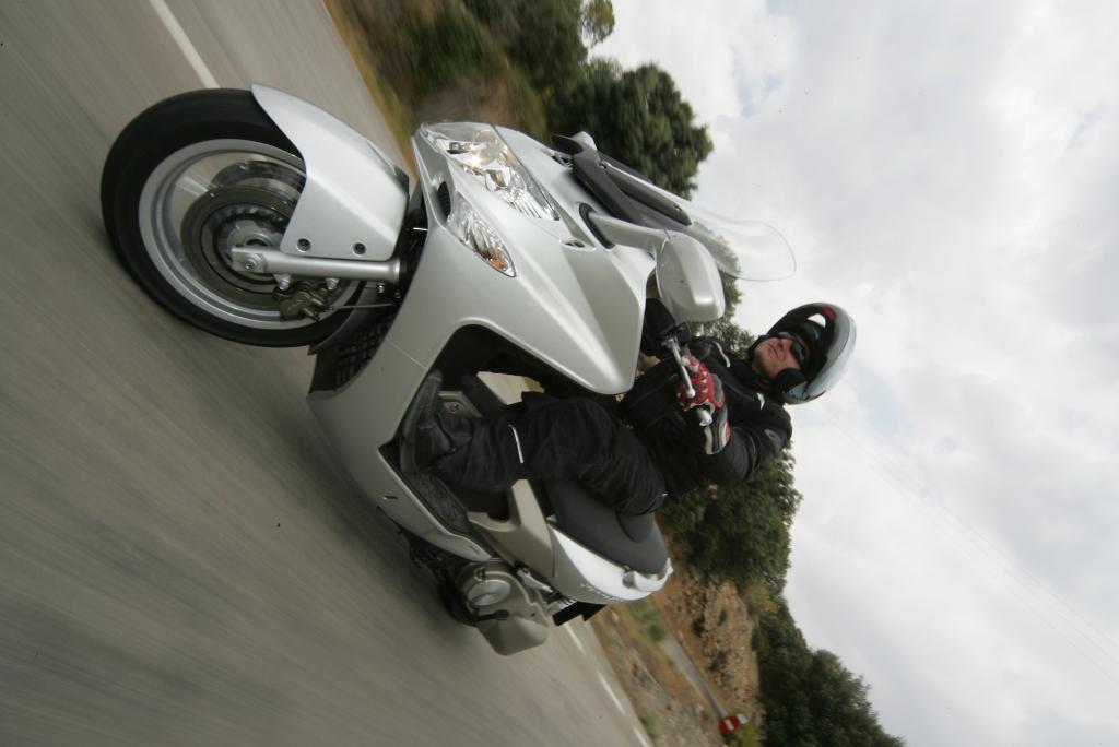 Kymco Xciting 500 2005 Motor ADN (9)