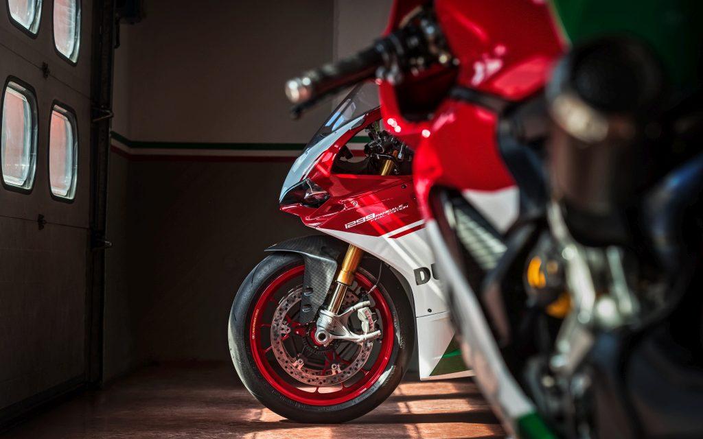 ¡BLACK FRIDAY MOTERO! El Viernes Negro es Rojo con Ducati