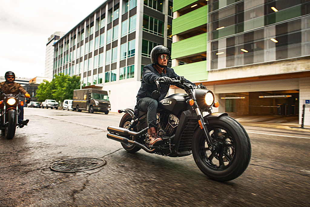 Indian Scout Bobber 2018 MotorADN (1)