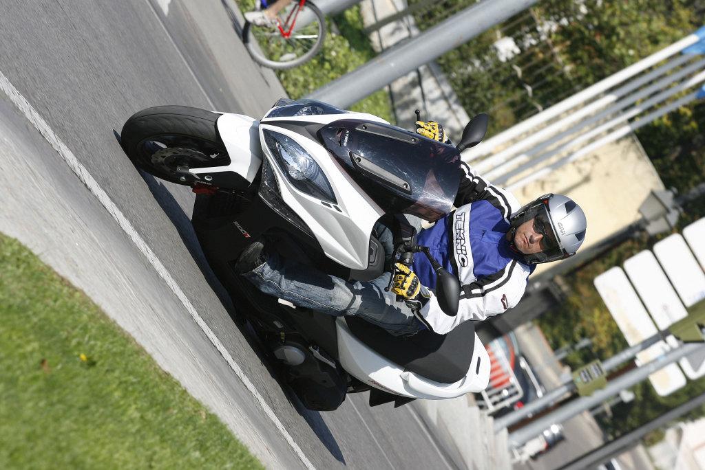 Kymco Xciting 500 ABS 2009 MotorADN (16)