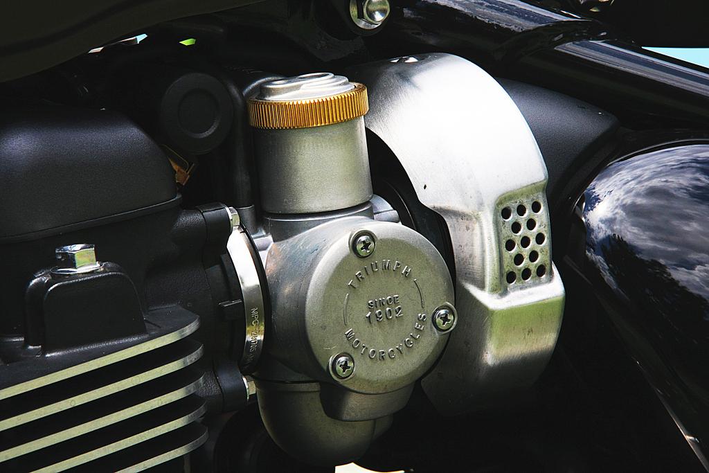 Prueba Triumph Bobber 2017 MotorADN (14)