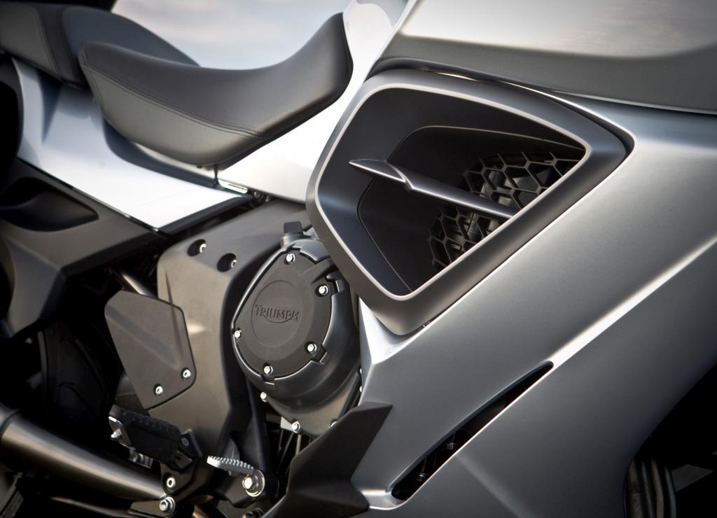 Triumph Trophy 1200 SE MotorADN (7)