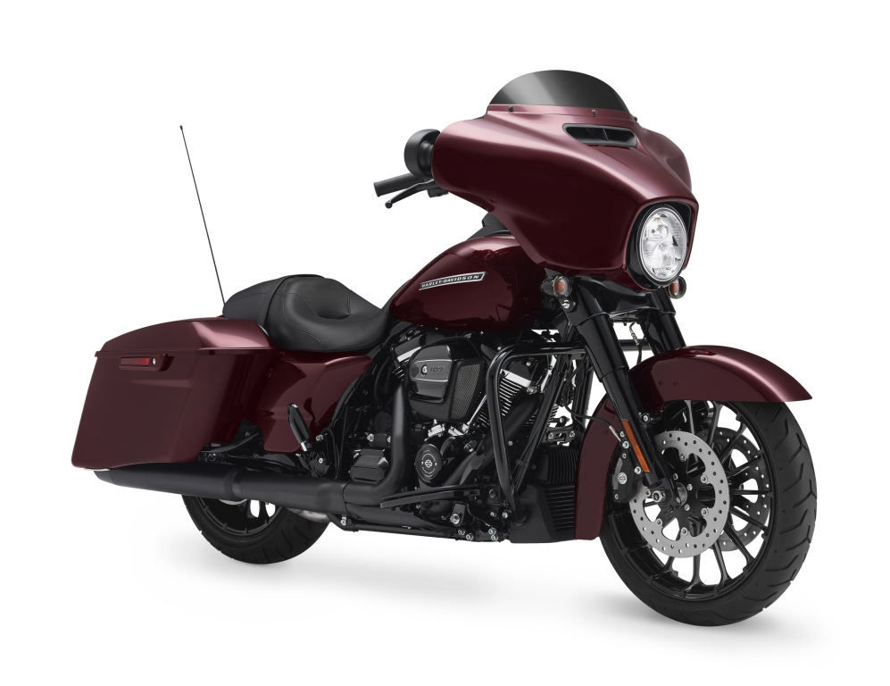 2018 FLHXS Street Glide Special. Touring.