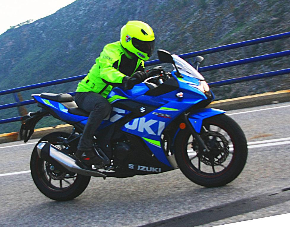 Suzuki GSX-250R 2017 MotorADN fotos (1)
