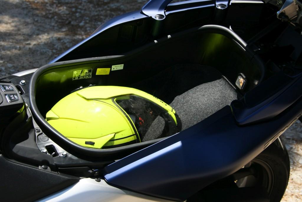 Yamaha TMax 530 DX 2017 (4)