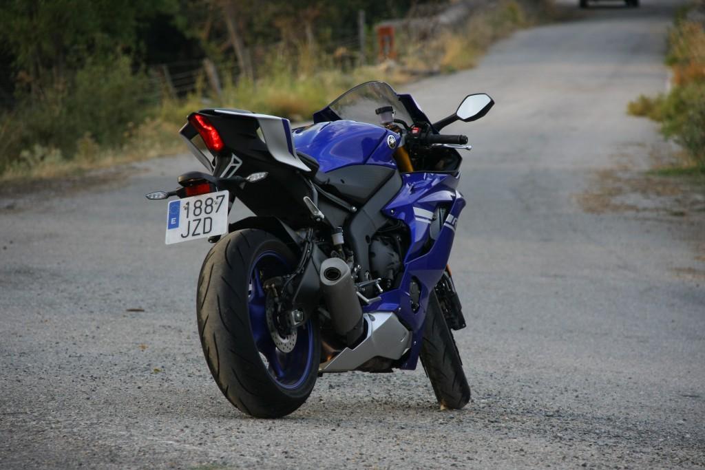 Yamaha YZF R6 2017 prueba MotorADN fotos (14)