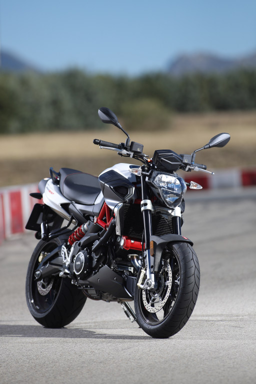 Aprilia Shiver 900 2017 MotorADN (6)