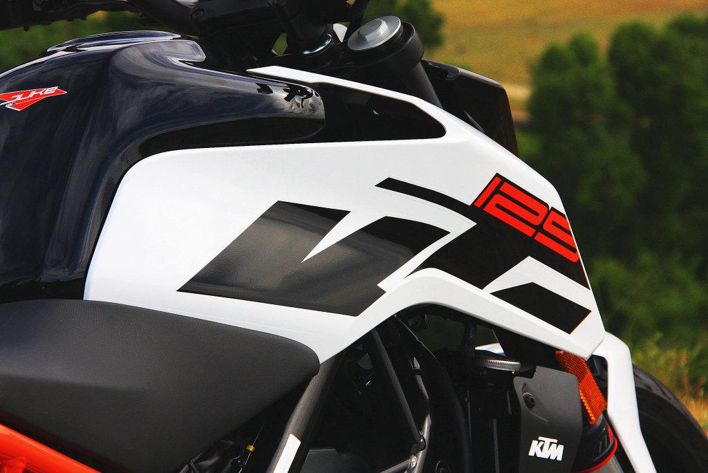 KTM Duke 125 2017 MotorADN (37)
