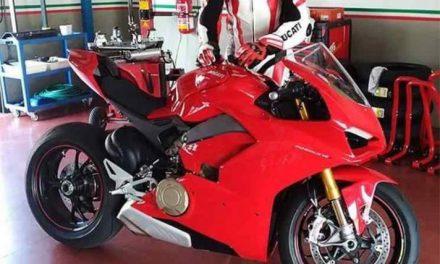 Fotos Ducati V4 Desmosedici Stradale (4 imágenes)