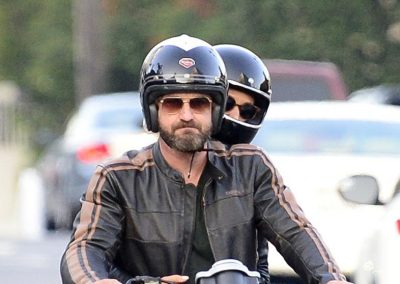 Gerard Butler accidente de moto (6)