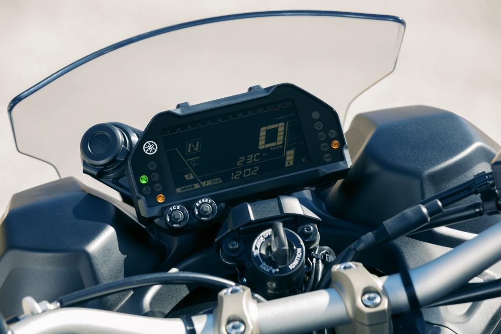 Yamaha Niken 2018 MotorADN (25)