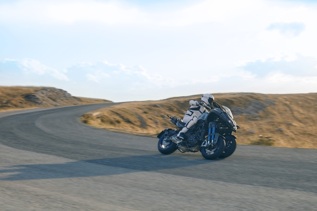 Yamaha Niken 2018 MotorADN (8)