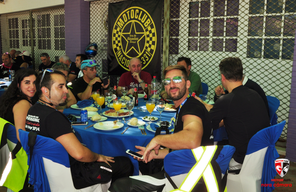 Hayabusa Club Marbella 2017 MotorADN . Día 1 Comida en el pueblo (4)