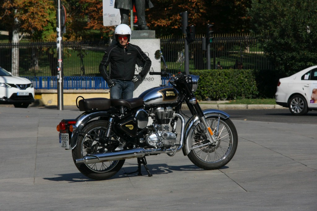 Royal Enfield Classic 500 Chrome 2017 MotorADN (2)