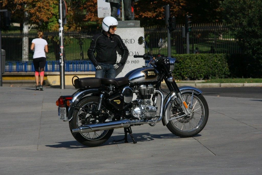 Royal Enfield Classic 500 Chrome 2017 MotorADN (3)