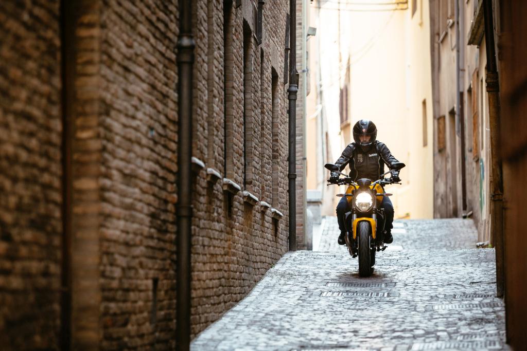 Ducati Monster 821 2018 prueba MotorADN (110)