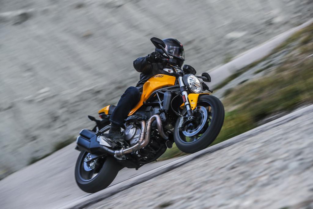 Ducati Monster 821 2018 prueba MotorADN (55)