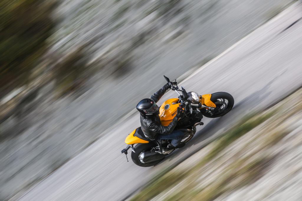 Ducati Monster 821 2018 prueba MotorADN (56)