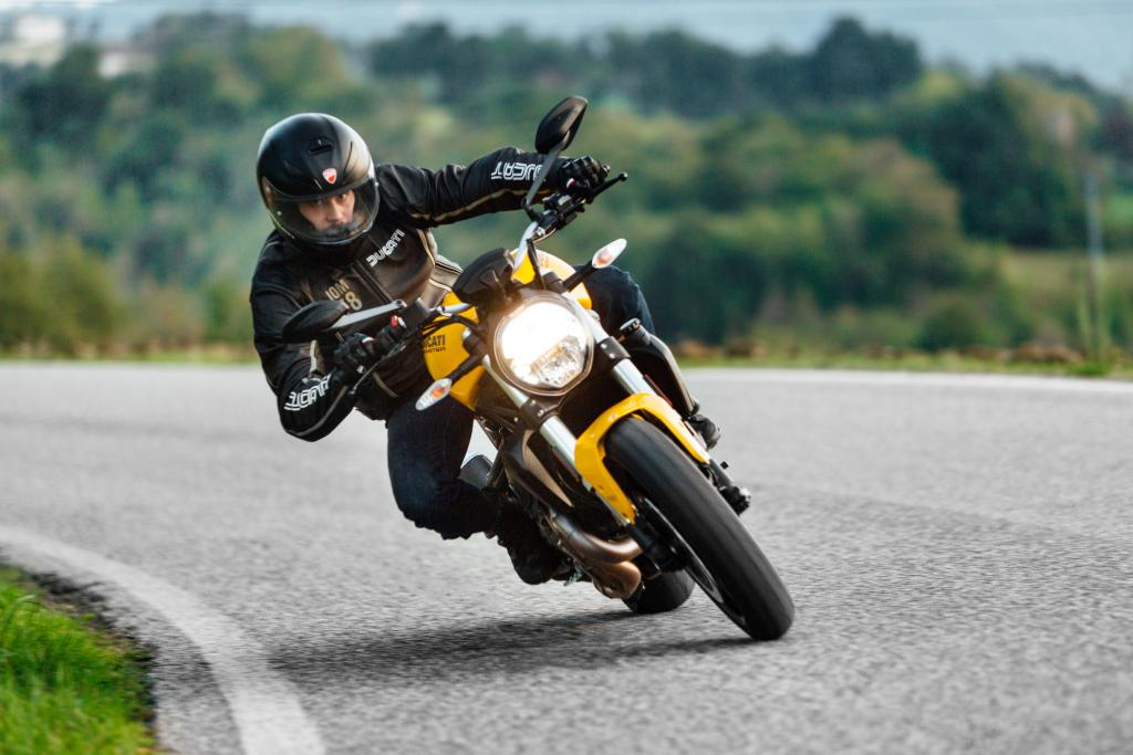 Ducati Monster 821 2018 prueba MotorADN (94)