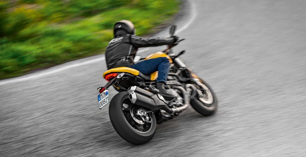 Ducati Monster 821 2018 prueba MotorADN (95)