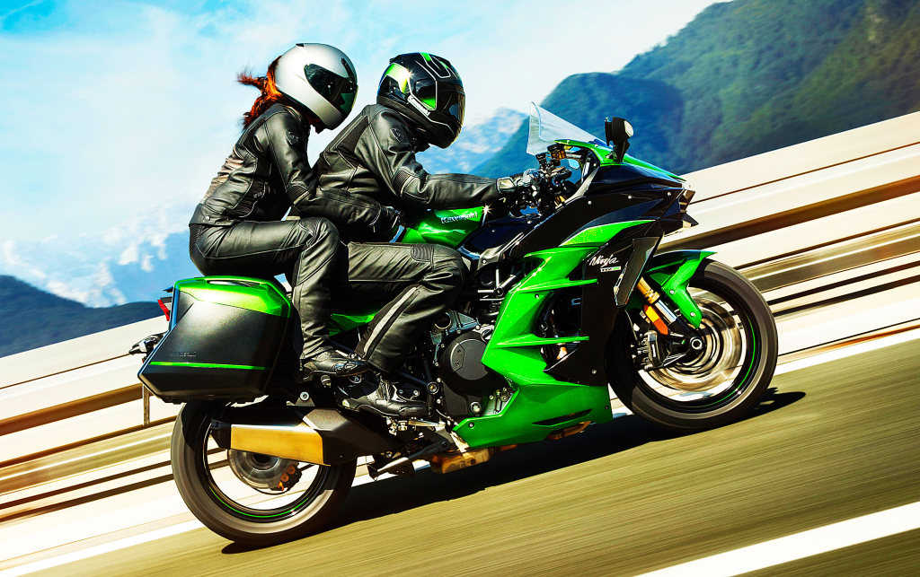 Kawasaki H2SX 2018 acción (20)
