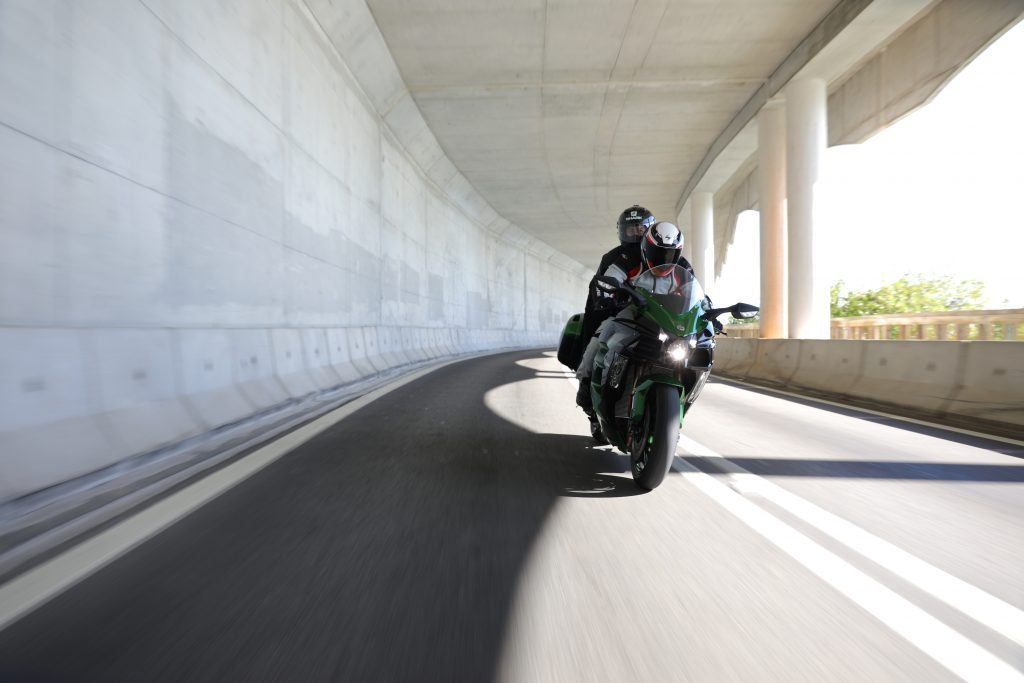 Kawasaki H2SX Presentación (8)