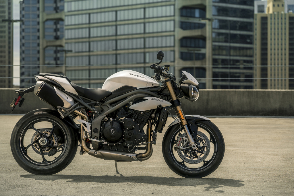Triumph Speed Triple S y RS 2018 MotorADN (1)