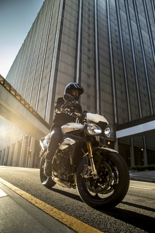 Triumph Speed Triple S y RS 2018 MotorADN (10)