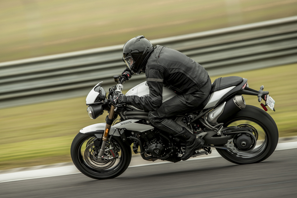 Triumph Speed Triple S y RS 2018 MotorADN (11)