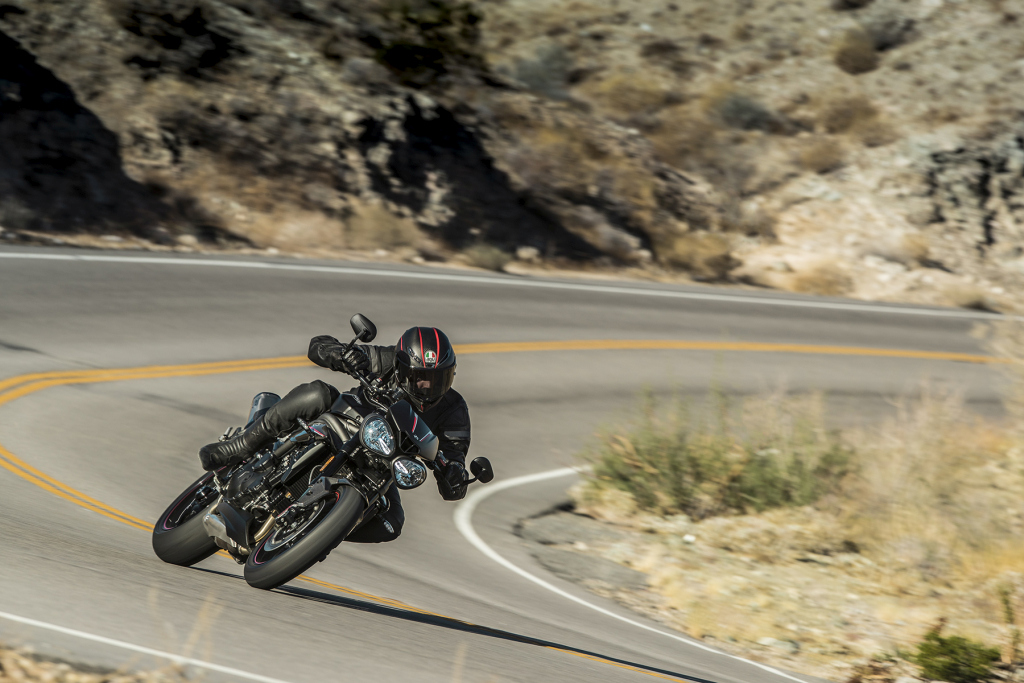 Triumph Speed Triple S y RS 2018 MotorADN (18)