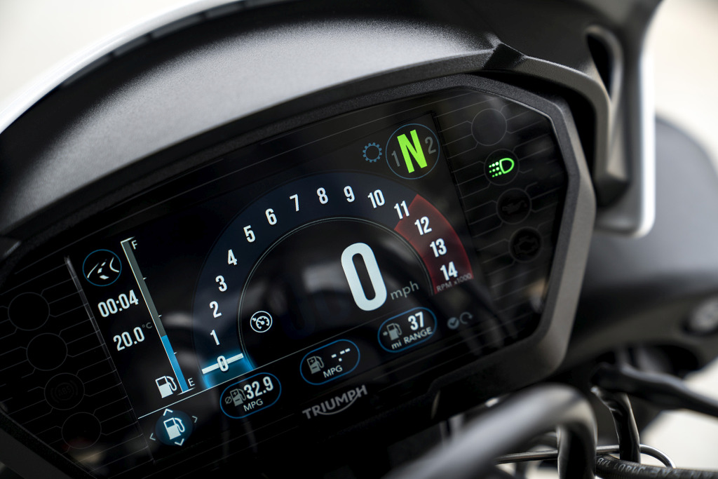Triumph Speed Triple S y RS 2018 MotorADN (32)