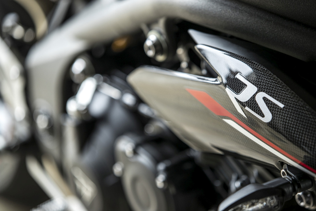 Triumph Speed Triple S y RS 2018 MotorADN (38)